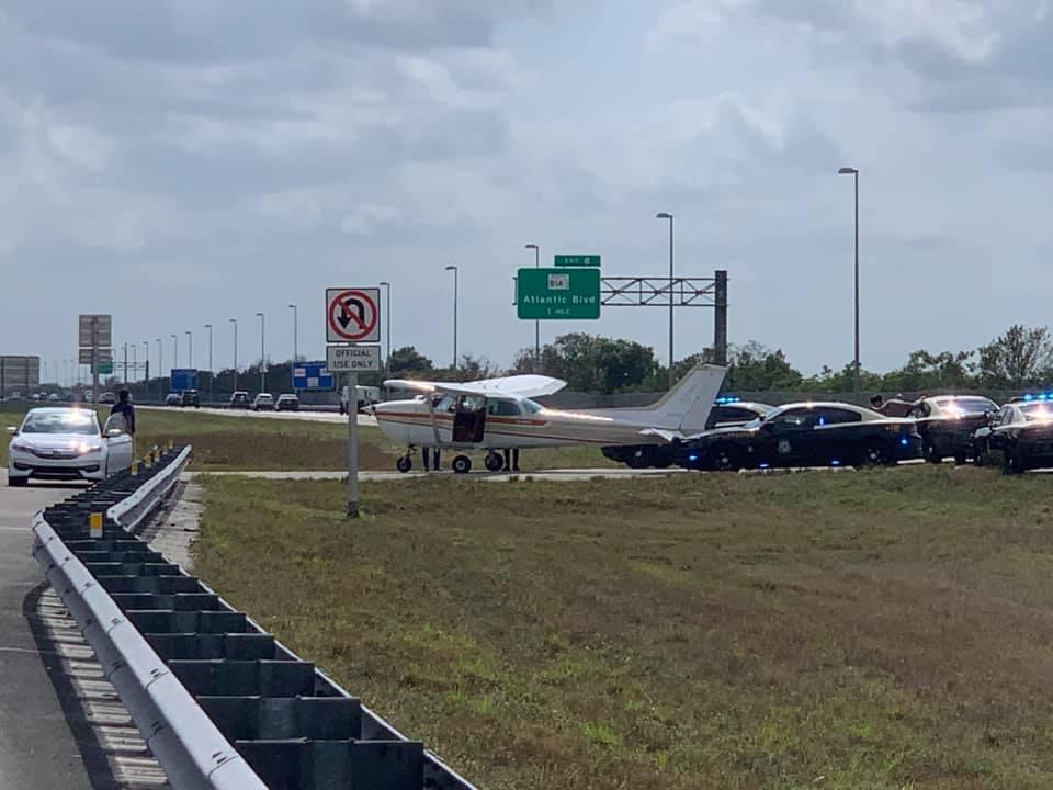Pilots use Sawgrass Expressway as Runway!